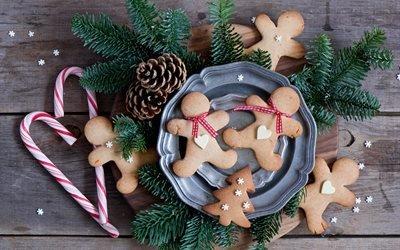 доски, тарелки, выпечка, пряники, печенье, конфеты, ветки, ель, ёлка, шишки