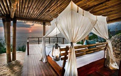 Закат над Индийским Океаном, отель Нихивату, остров Сумба, Индонезия