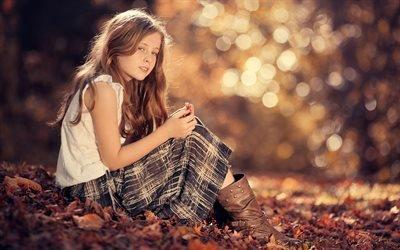 Осенний парк, Листья, Девочка в сапогах