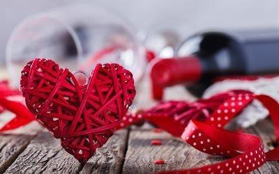 доски, сердце, фигурка, праздник, лента, бутылка, бокал