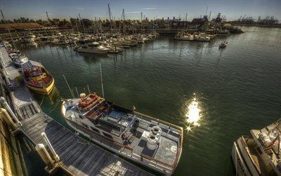 Солнечный день на тихоокеанском побережье, Гавань, Катера и яхты, Лонг-Бич, Калифорния