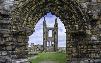 Арка, Развалины Собора Святого Андрея, Сент-Эндрюс, Шотландия