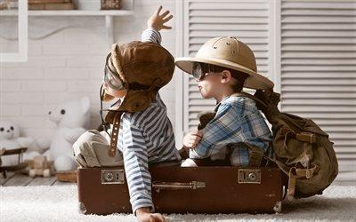 Маленькие пилоты, Чемодан, Рюкзак, Игра, Путешествие
