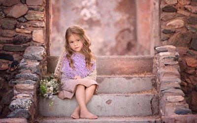 девочка, камни, кладка, ступеньки, лестница, цветы, букетик