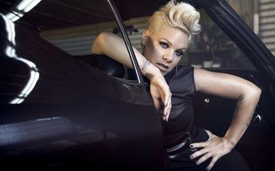 Пинк, Pink, Алиша Бет Мур, Alecia Beth Moore, американская певица, поп-рок, R&B