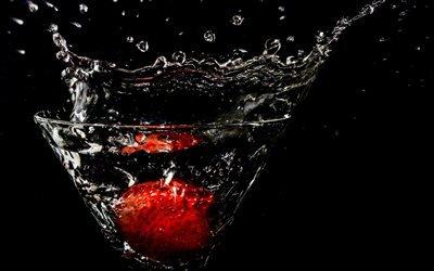 брызги, бокал, клубника, падение в воду