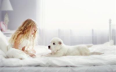 девочка, животное, собака, пёс, комната, кровать