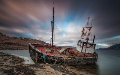 Старая рыбацкая лодка, Кораблекрушение, остров Малл, Шотландия