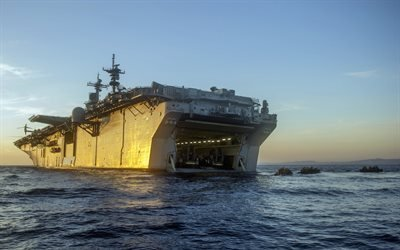 десантный корабль, ВМС США, вертолетоносец, amphibious assault ship, USS Essex, LHD-2
