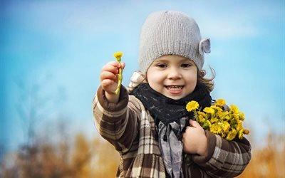 дети, ребёнок, девочка, радость, весна, цветы, мать-и-мачеха