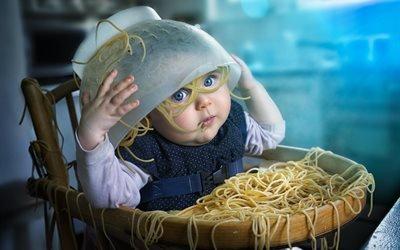 дети, ребёнок, еда, макароны, спагетти, дуршлаг
