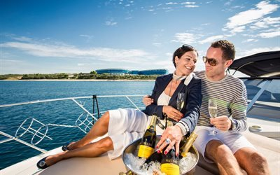 люди, мужчина, женщина, пара, лето, вода, яхта, бутылки, вино, бокалы, ведро, лёд