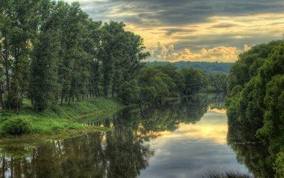 природа, пейзаж, река, деревья, небо, тучи