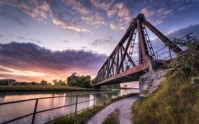 Железнодорожный мост, Канал, Людингхаузен, Северный Рейн - Вестфалия, Германия, Bridge, Ludinghausen, North Rhine - Westphalia, Germany
