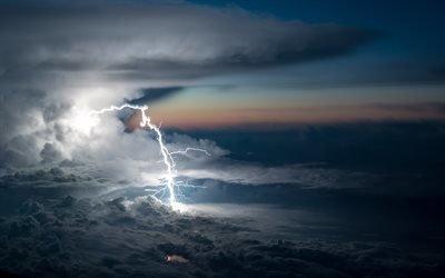 Грозовые облака, Молния