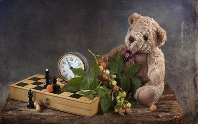 доска, шахматы, игра, мишка, игрушка, часы, будильник, ветка, ягоды, малина