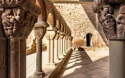 Монастырь Сан-Хуан-де-ла-Пенья, провинция Уэска, Испания