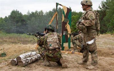 Украина, Национальная гвардия, Учения, Американский инструктор