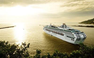 круизный лайнер, Sun Princess, красивый корабль, закат, круиз, море, лайнер
