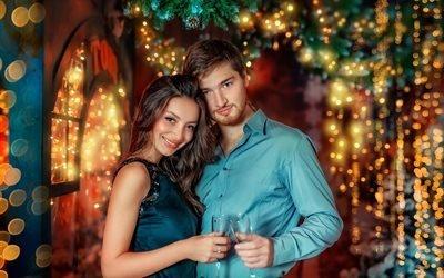 ветки, бокалы, девушка, новый год, боке, пара, рождество, ёлка, парень, праздник, декорация, влюблённые