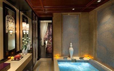 комната, ванная, ванна, зеркало, вазы, чайник, чашки, светильники