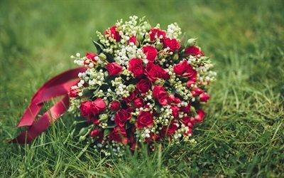 красные розы, свадебный букет, зеленая трава, розы, червоні троянди, весільний букет, зелена трава, троянди